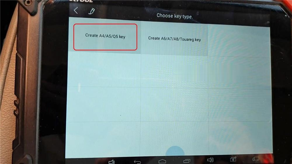 audi-q5-add-a-key-via-xtool-x100-pad2-kc100-12 (2)