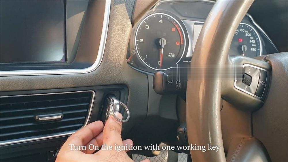 audi-q5-add-a-key-via-xtool-x100-pad2-kc100-5 (2)