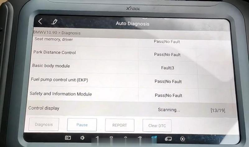 BMW-Diagnosis-&-Service-Light-Reset-by-XTOOL-A80-PRO-1 (2)